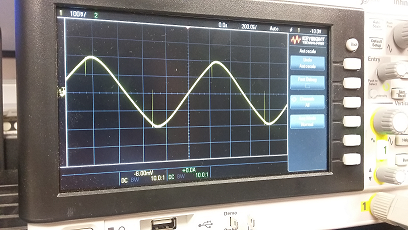 Triangle sine wave on oscillosope
